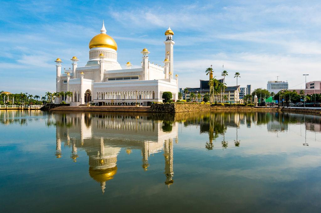 Sultan Omar Ali Saifuddin Mosque, Bandar Seri Begawan